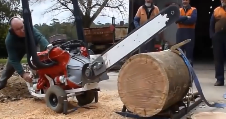 Super-Size-Chainsaw.png