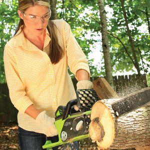 5 Best Chainsaws for Women 2018